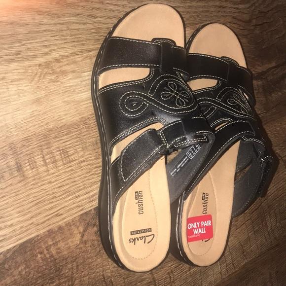 b2a0a90bdc38 CLARKS Women s Leisa Higley Slide Sandal